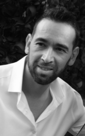 Gerardo black and white